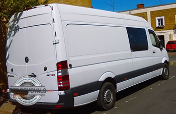 Tulse-Hill-move-with-van