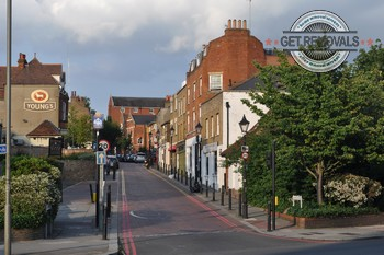 Efficient Roehampton moving services